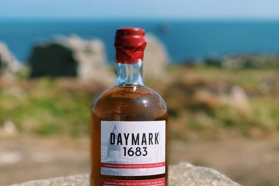 Daymark Compass
